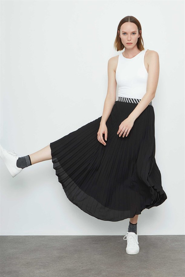 Silver Striped Rubber Detailed Plisoley Skirt