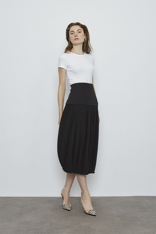 Pleated Baloon Skirt