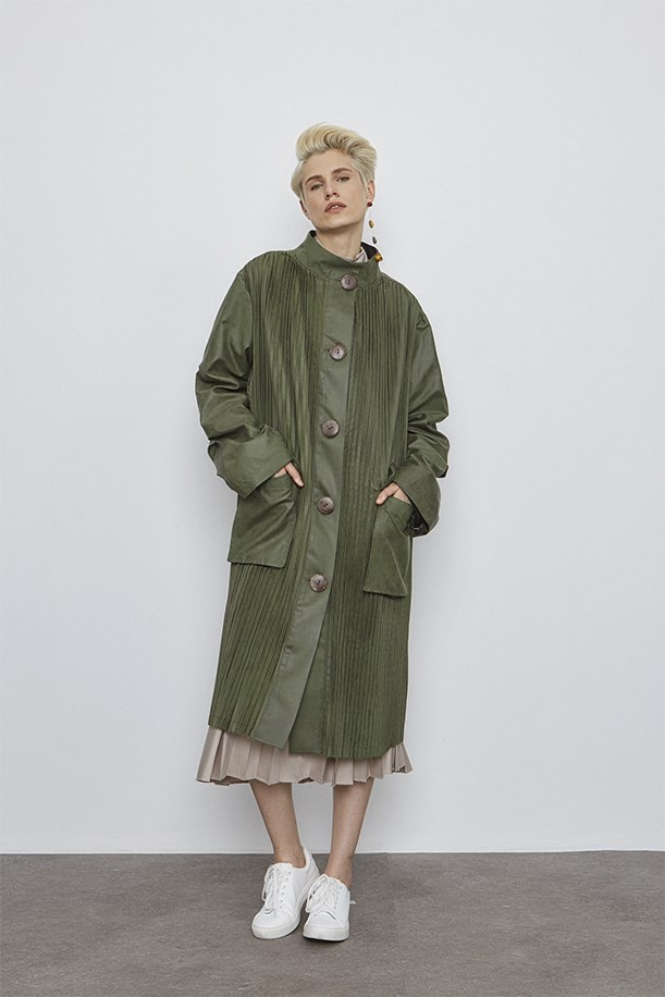 Pleated Button Up Trenchcoat