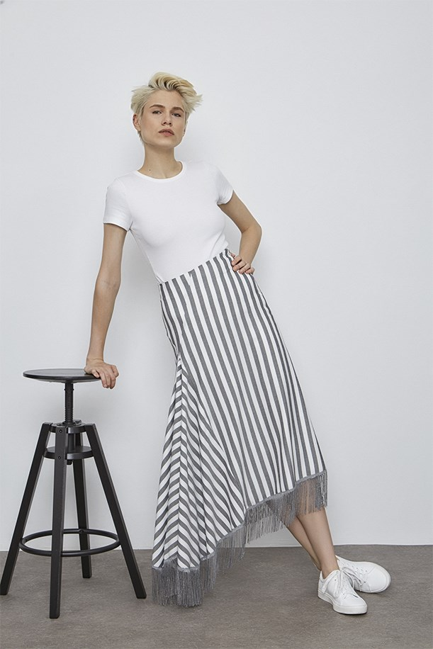 Tasseled Skirt With Flywheel